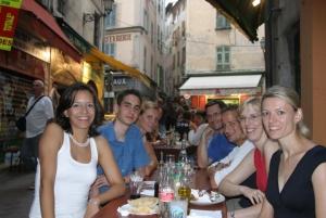 Druženje i predah od učenja u kafeu u Nici