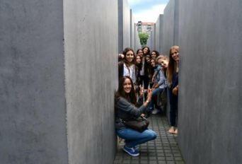 ...u lavirintu memorijalnog spomenika, Berlin 2013, Verbalisti