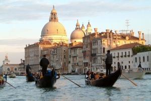 Venecija ljubomorno čuva svoju dramatičnu lepotu i bajkovitost