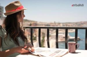 Naša polaznica Andrea i jutarnja kafa na balkonu apartmana Portobello