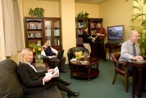 Polaznici Platinum kurseva koriste učionice u posebnom delu zgrade, odvojene od ostalih polaznika