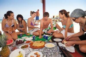 Verbalisti polaznici na plaži na Ibici