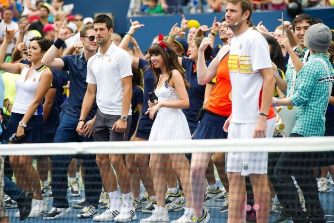 Novak Djokovic singing Call Me Maybe to Carly Rae Jepsen