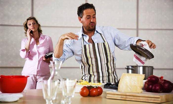 Ko su bolji kuvari? - Page 3 Muskarci-koji-kuvaju