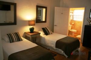 Smestaj u Majamiju, dvokrevetna spavaca soba u studiju