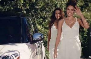 Reklama za Fiat 500L - Sestre