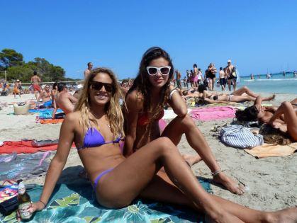 Na plaži Salinas na Ibici