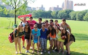 Polaznici jezicke mreze Verbalisti u njujorskom Central parku