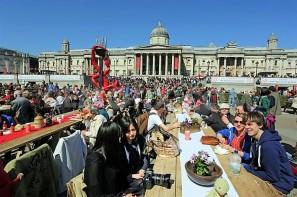 Verbalisti na Trafalgar skveru, St. George's Day