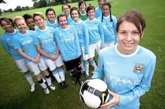 Prestizni fudbalski kamp za devojcice Manchester City i polaznice jezicke mreze Verbalisti