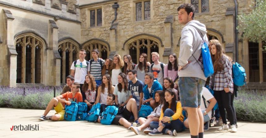 Polaznici jezičke mreže Verbalisti na letnjem kampu u Kingsu u Oksfordu