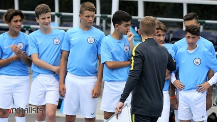football-schools-manchester-city-team-talk-verbalisti