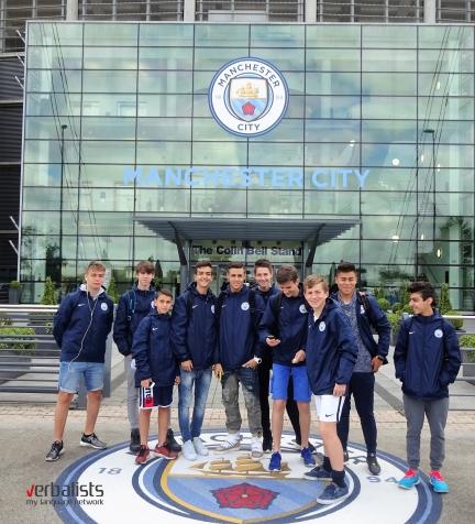 mladi-fudbaleri-jezicke-mreze-verbalisti-pre-utakmice-mancester-sitija-2016-kamp