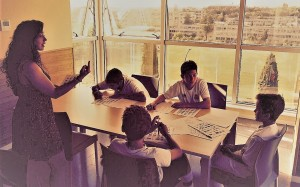 Polaznik može pohađati kurs španskog ili engleskog jezika
