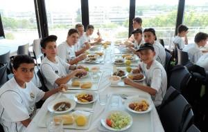 restoran-u-kom-se-hrane-polaznici-skole-fudbala-real-madrid