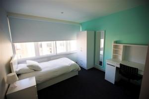 kvalitetan-smestaj-jednokrevetne-sobe-sa-privatnim-kupatilom-kings-brighton