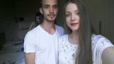 Brat i sestra u sobi rezidencije hotela Bay View