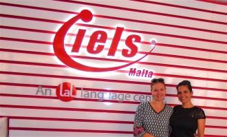 Ena Šarić i Maja Merdović, profesorka i rukovodilac edukativnih programa u jezickoj mrezi Verbalisti
