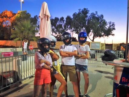 Poziranje pred početak trke, Verbalisti na Malti