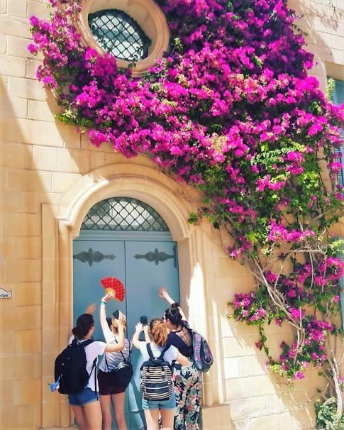 Iva u magičnom srednjevekovnom gradu Mdini na Malti
